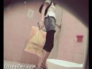 toilet spy girls nasty porn