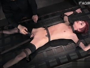 bdsm-rizhaya-v-chulkah-video