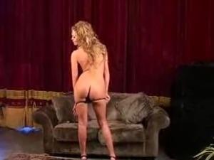 girls dancing in clubs videos