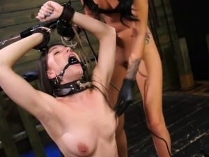 xxx young sybian