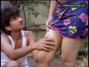 Desi tamil hot girl