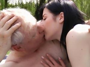 Old man Fap Vid