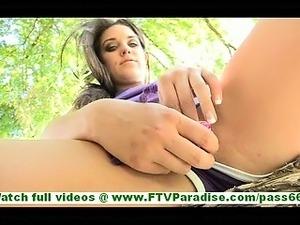outdoor girls spread ass