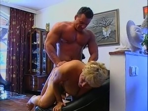 curvy mature aunt doctor suck video