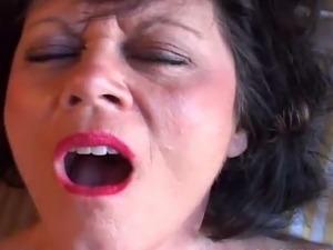 porn hub mature moms pussy