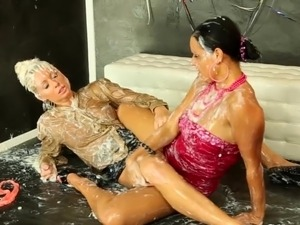 free black glory hole porn streams
