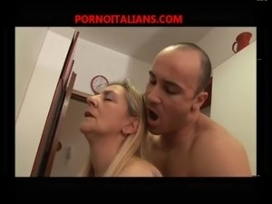 club girls give blowjob