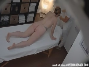 scoolgirl fingering herself