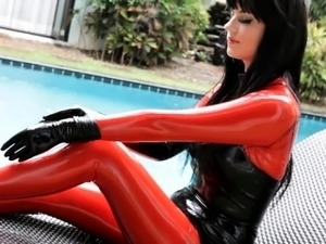 hot babes in latex pics