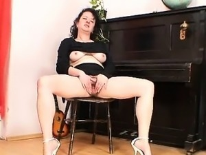 wife extreme stretched pussy gaping