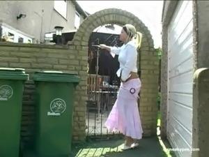 girls piss pants videos