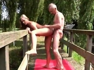 old men fucks young girl