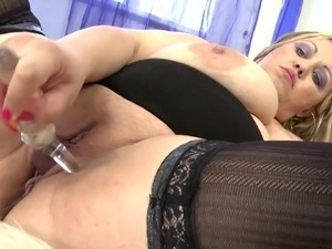 sexy moms milky nipple boobs