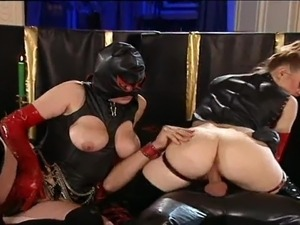 ebony latex lesbian bondage videos