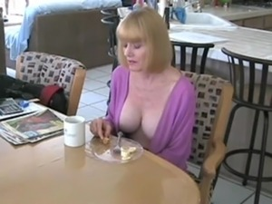 free mature cougars video