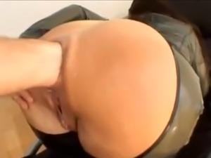 lesbians anal fisting