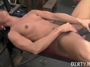 free naked male gym porn
