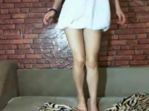 petite lesbian feet