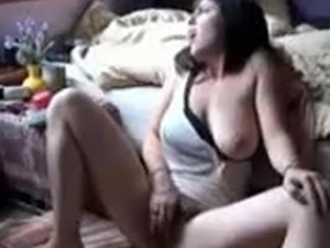 lesbians fingering to squirt
