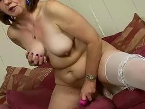 natural big tits hairy pussy
