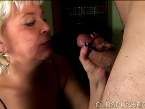Lizzy enjoys old spunkers videos fucking