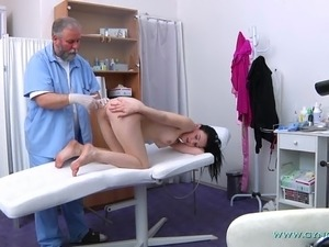 doctor sex young girl