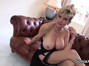 lady sonia sucking shemale videos