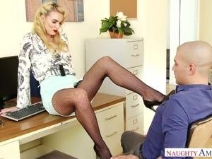 shemale secretary pics
