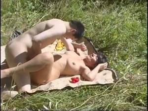 wife outdoor pussy video