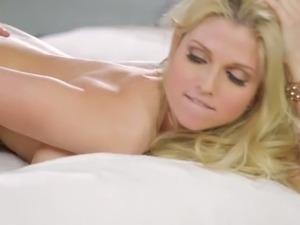 gorgeous dirty blonde girl sex