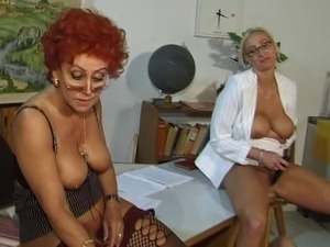 naked girl spanked