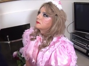 miss dita makes sissies suck video