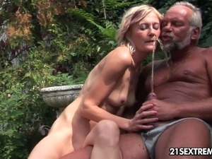 old on young pissing porn pictures