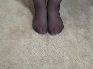 girls feet tickling pics