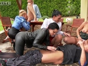 video candid camera pissing girl