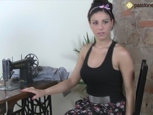 videos of brunettes usingsex machine