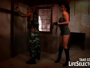 hot army girl ass
