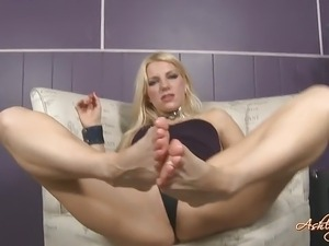 pussy foot asian