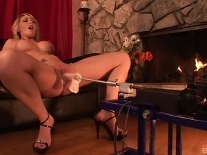 lesbian machine fuck videos
