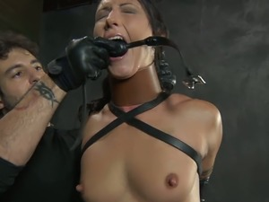 brunette babe beads gallery anal