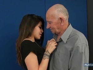Old and ugly man gets sexual treatment from an young girl 9