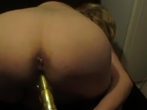 girl fingering from behind