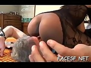 facesitting pussy on her head