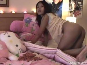i porn girlfriend stripping