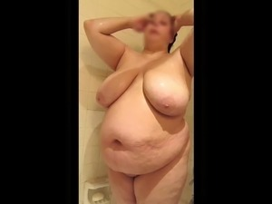 sexy college girls in the shower