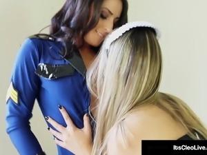 Hot lesbian police