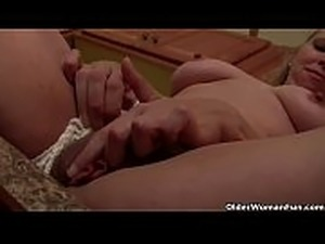 hot mom fucking young dick
