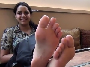 petiet asian girls foot pictures