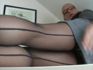 my asian girlfriend in pantyhoses