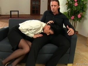 facesitting pussy smother between nylon stockings